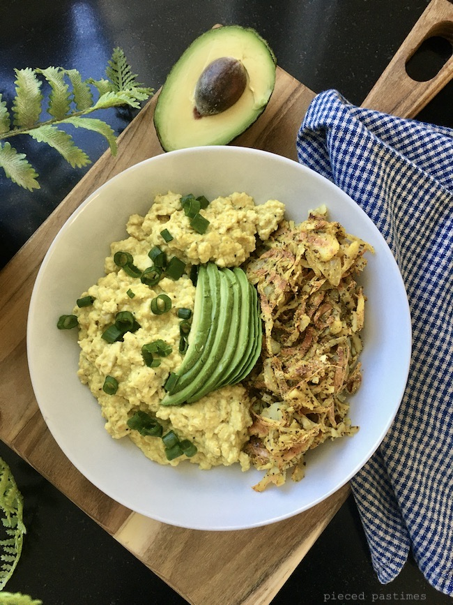 Vegan Scrambled Eggs with Spiralized Hash Browns by Pieced Pastimes