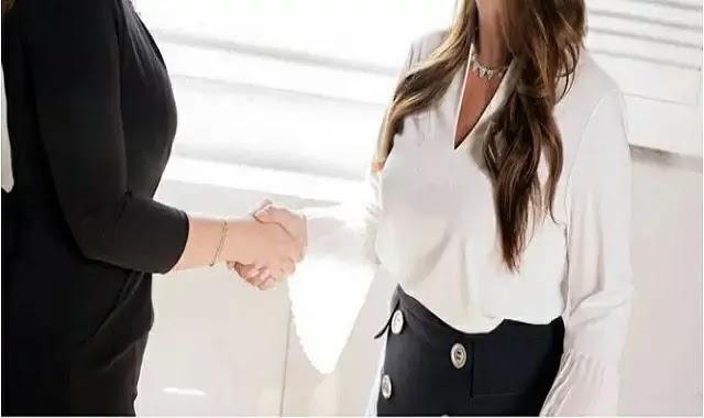 كيفية تكييف استحقاقات موظفيك مع العاملين اليوم