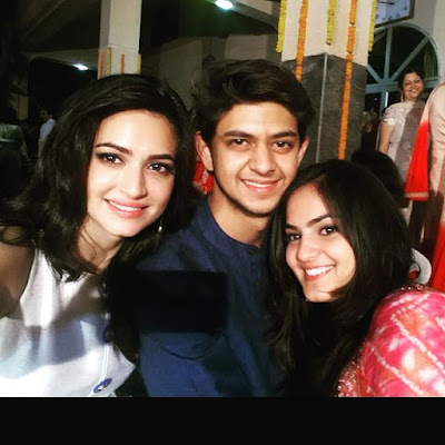 Kriti Kharbanda with her brother