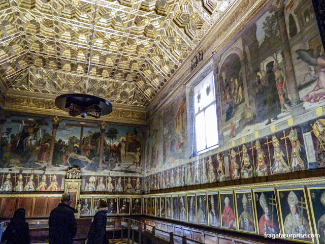 Galeria dos Arcebispos de Toledo na Sala Capitular da Catedral