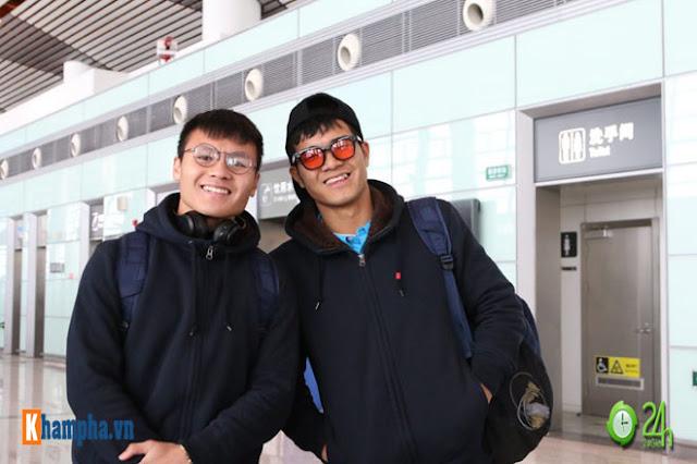 Trực tiếp U23 Việt Nam về nước ngày 28/1: Ảnh mới nhất trên chuyên cơ bay về Nội Bài 2