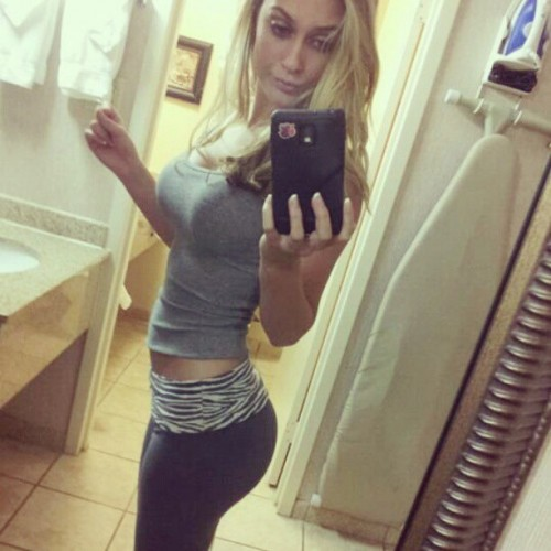 Alyssa-Cunningham-Popular-Selfie