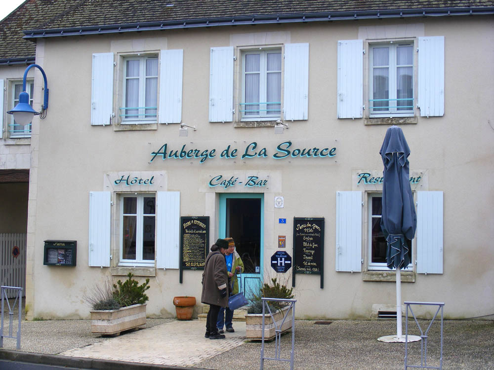Days on the claise l 39 auberge de la source st flovier for Auberge le jardin de la source