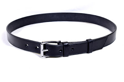 Black leather belt for man with stainless steel buckle made to measure.