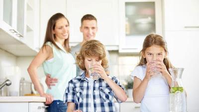 Ini Adalah Berapa Banyak Air Yang Harus Diminum Anak Anda Setiap Hari