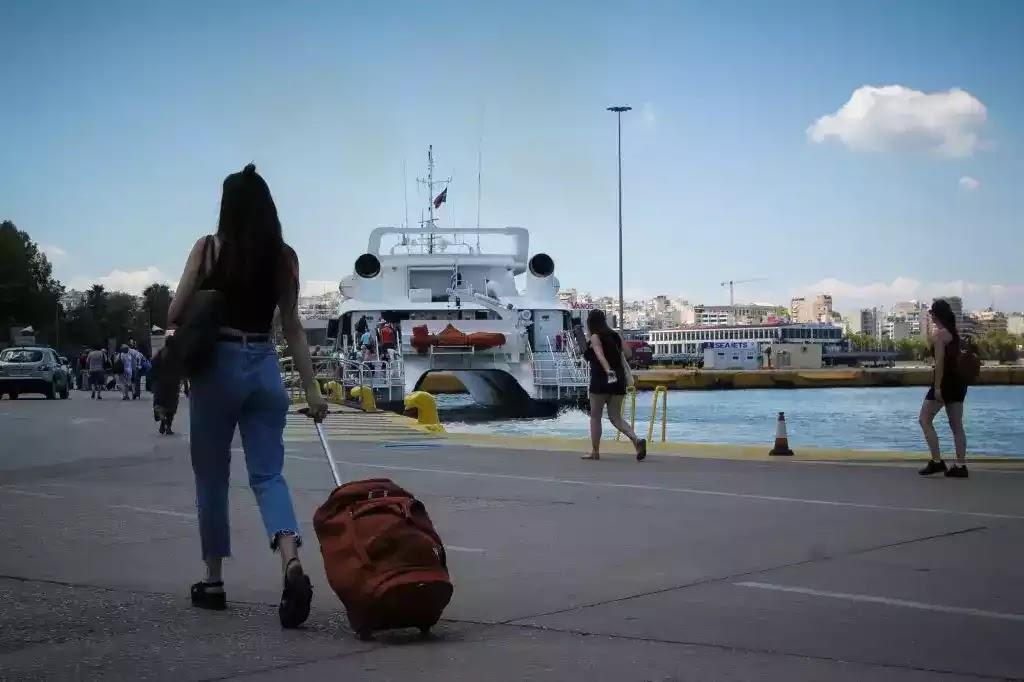 Καταστροφή για την Ελλάδα αυτό το καλοκαίρι – Επίσημη παραδοχή υπουργού για τον τουρισμό (ΒΙΝΤΕΟ)
