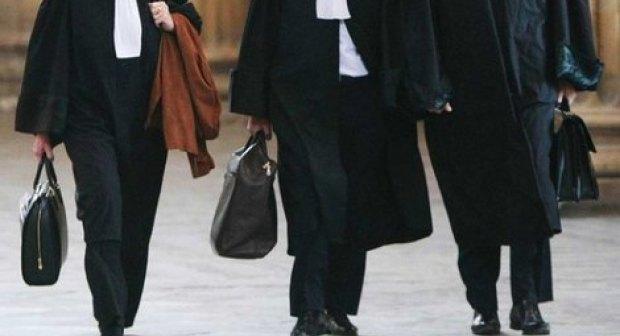 محامي معروف بأكادير أمام القضاء بسبب 180 مليون.