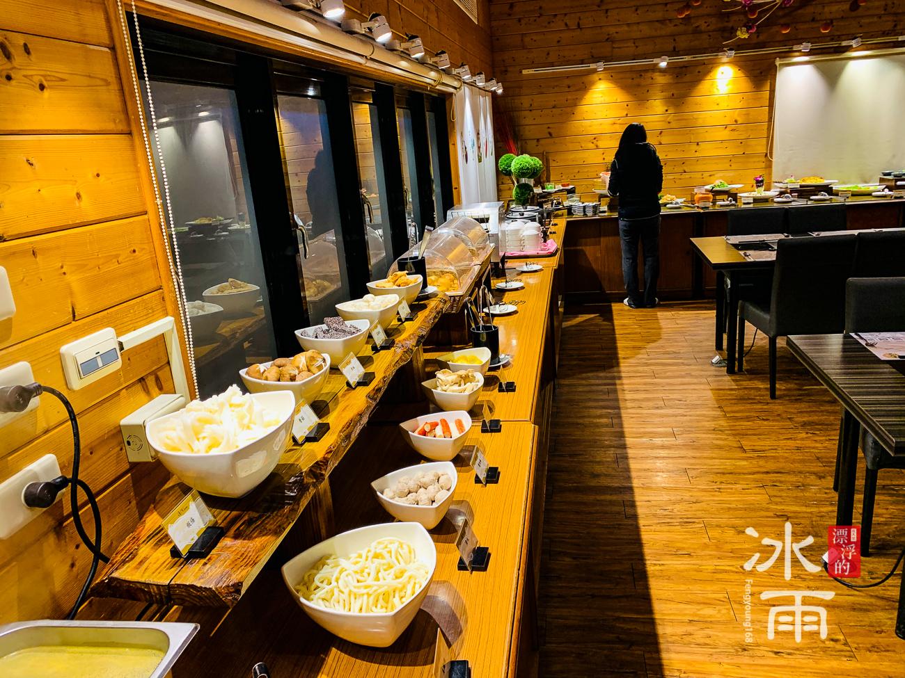 泰安湯悅溫泉會館|餐廳餐台