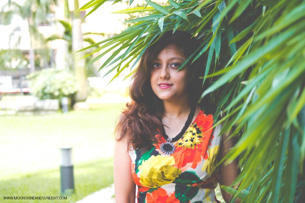 Gravitating, OOTD Post, Fashion blog by Priyanjana Roy, Moonshine and sunlight