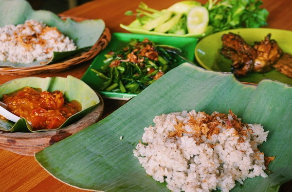 Nasi Tutug Oncom kuliner khas sunda tradisional bandung