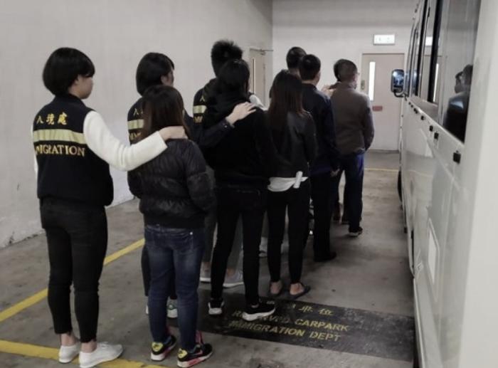 15 Pekerja Ilegal dan Delapan Majikannya ditangkap Petugas Imigrasi