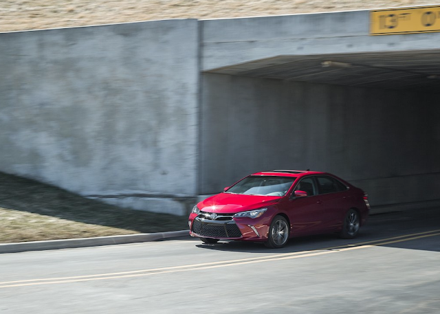 2015 Toyota Camry XSE V6 red