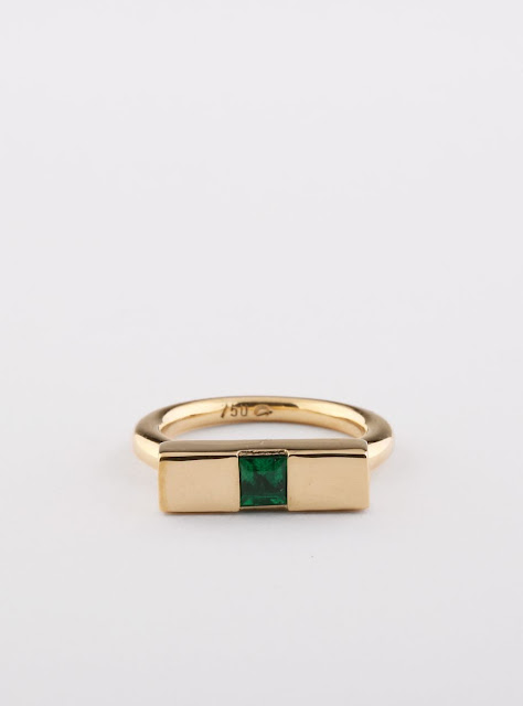 handmade Engagement band in 18k yellow gold with Emerald