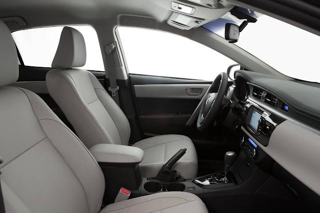 Toyota Corolla XEi 2017 - interior
