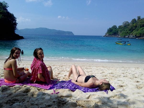 Mengapa Turis Asing Lebih Suka Bali? Padahal Banyak wisata lain di Indonesia