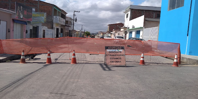 Em  São José da Tapera; Casal troca tubulações e melhora abastecimento  d´água