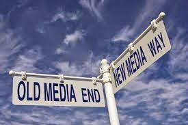 new media hadir dengan kontra dua perspektif