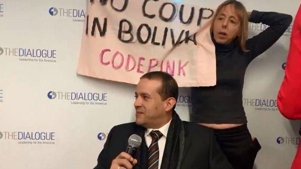 Activistas de EE.UU. protestan contra golpista boliviano