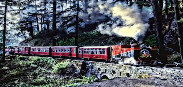 Toy train for Kalka, Shimla