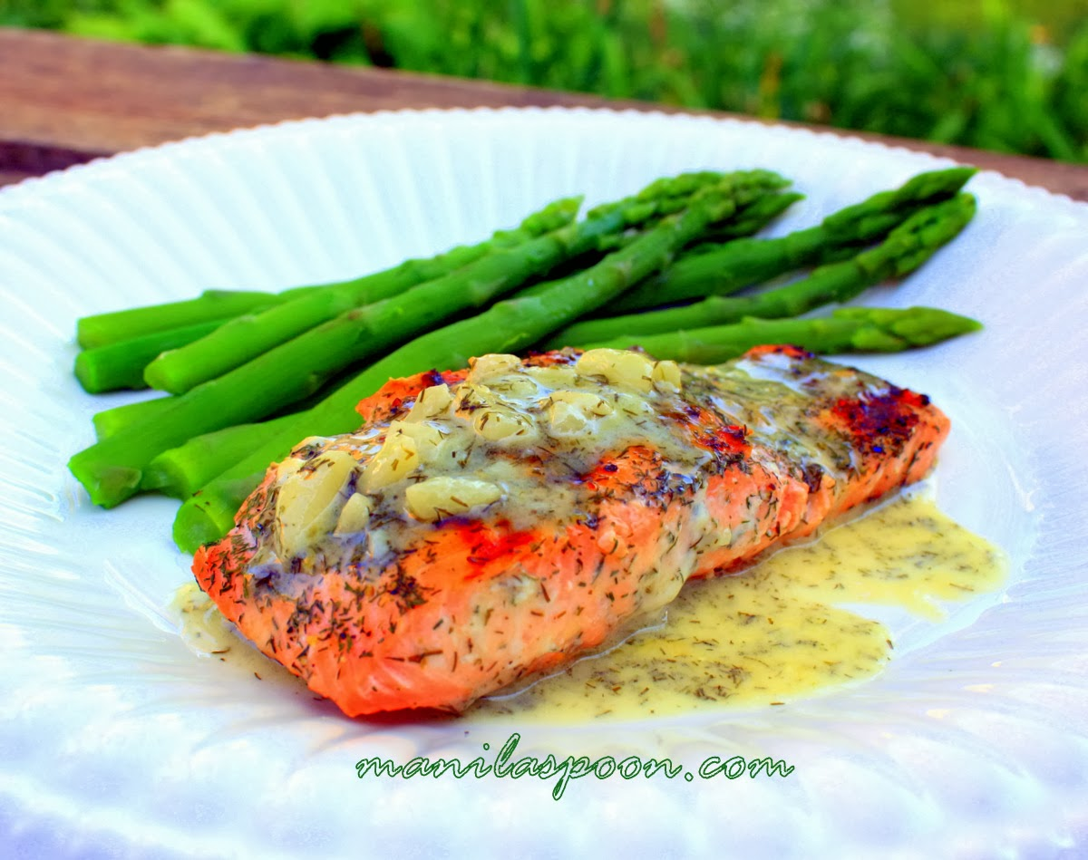 Easy Grilled Salmon recipe with a Lemony Dill Butter Sauce that brings this dish over the top! Gluten-free and low-carb deliciousness!