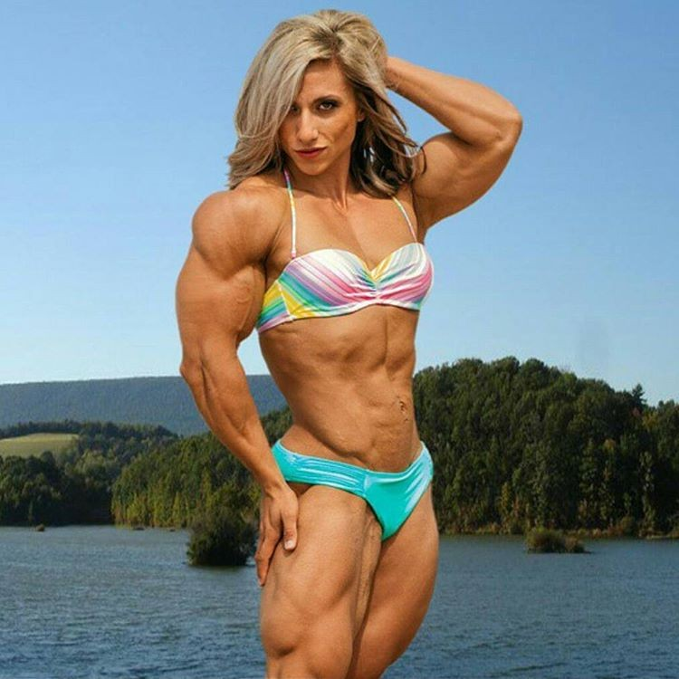 Huge female bodybuilder massive cock