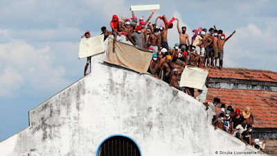Prisoners of Mahara protesting
