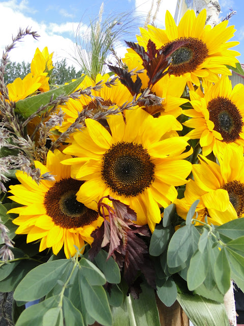 sunflowers for delivery Thunder Bay