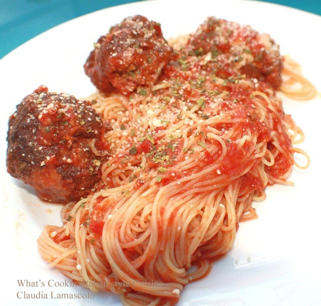 this is a plate of spaghetti and meatballs