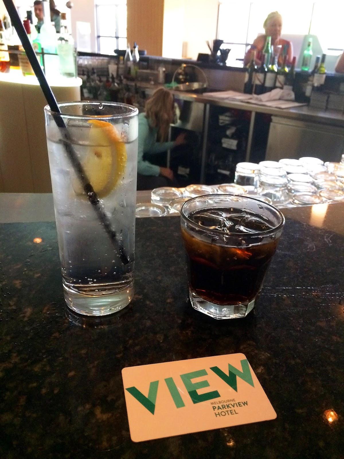Melbourne Parkview Hotel Drinks at Bar