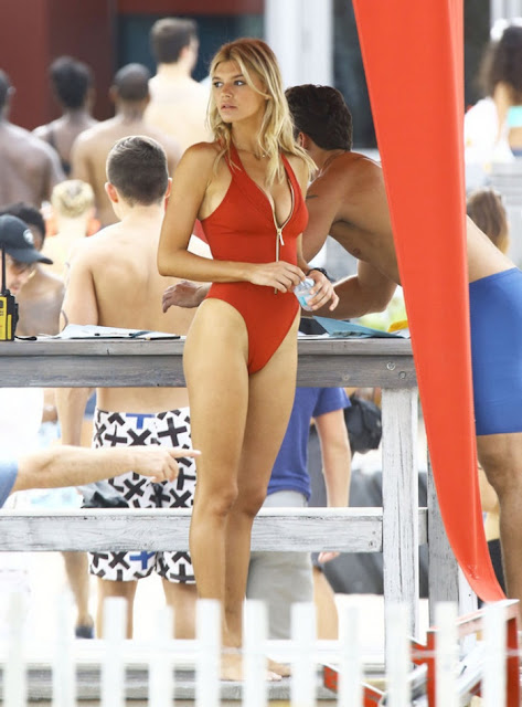 Hot girls Kelly Rohrbach sexy Bikini at Baywatch 6