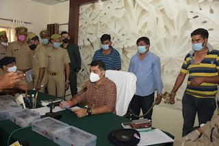 झाँसी: साइबर पुलिस टीम द्वारा 3 शातिर अंतर्प्रान्तीय साइबर अपराधियों को गिरफ्तार किया