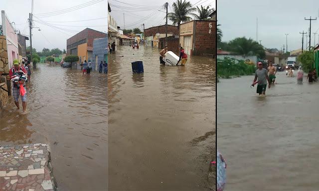 Chuvas deixam registro de destruição na cidade de Assaré