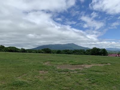雲の中の羊蹄山
