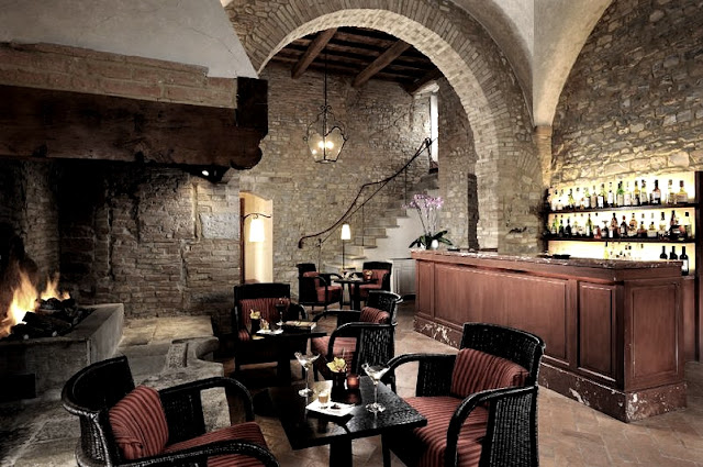 Castello del Nero,character-full bar, image via Castell del Nero website, edited by lb for linenandlavender.net: http://www.linenandlavender.net/2010/01/design-daily-hotel-feature-castello-del.html