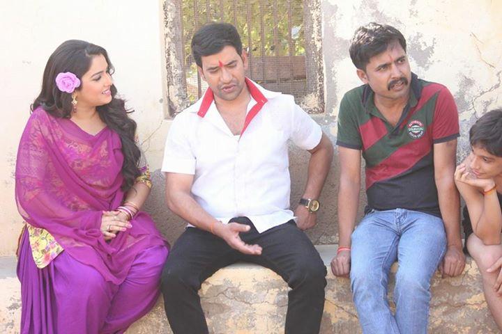 Dinesh Lal Yadav 'Nirahua', Rani Chatterjee Mokama Zero KM Bhojpuri Movie Shooting stills, Mokama Zero KM Bhandar Bhojpuri Movie