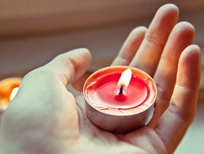 candle-711339_1280.jpg