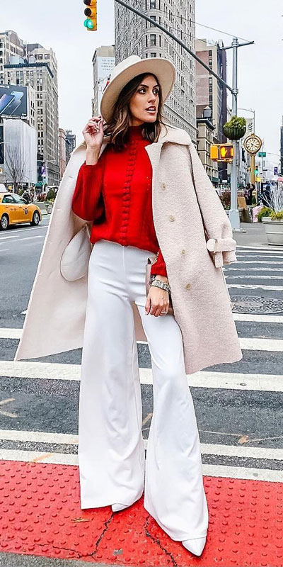 Look your best when you step out this holiday season. Here are 22 pure holiday style inspiration new ways to dress and impress in the upcoming christmas season. Holiday Fashion via higiggle.com | #fashion #holiday #coat #christmas