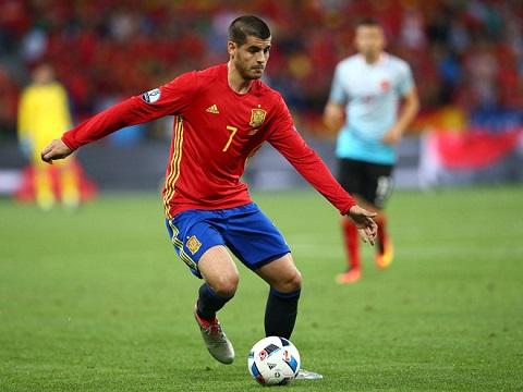 Morata rất tự tin trong màu áo đội tuyển quốc gia Tây Ban Nha. Anh đã hoàn thành một mục tiêu chính của mình khi về Juve.