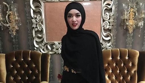 Usai Digugat Cerai, Tiara Dewi Unggah Video Diatas Ranjang Dengan Suara Lemah