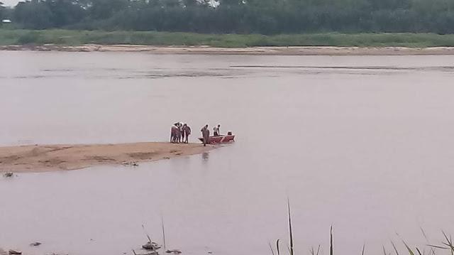 Dois estudantes se afogam na Praia do Acácio. Bombeiros localizam um dos corpos