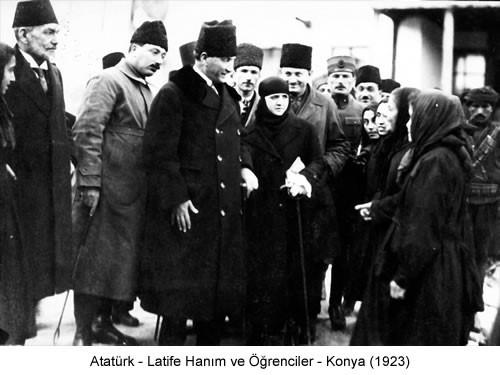 Atatürk Latife Hanım Öğrenciler Konya 1923 Fotoğraf