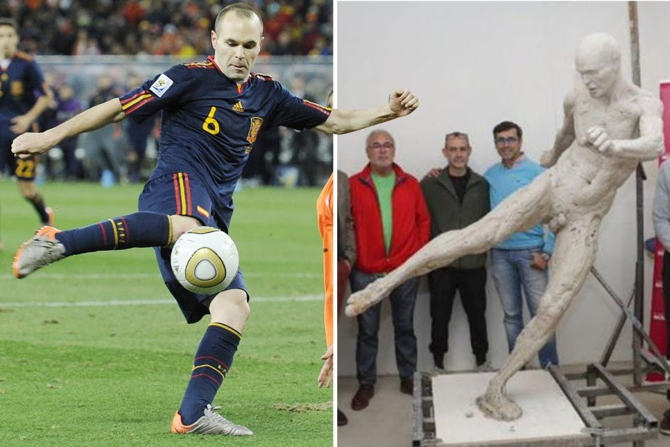 Spain Honors Barcelona Legend Iniesta With a Naked Statue For 2010 World Cup Winning Goal (Photos)