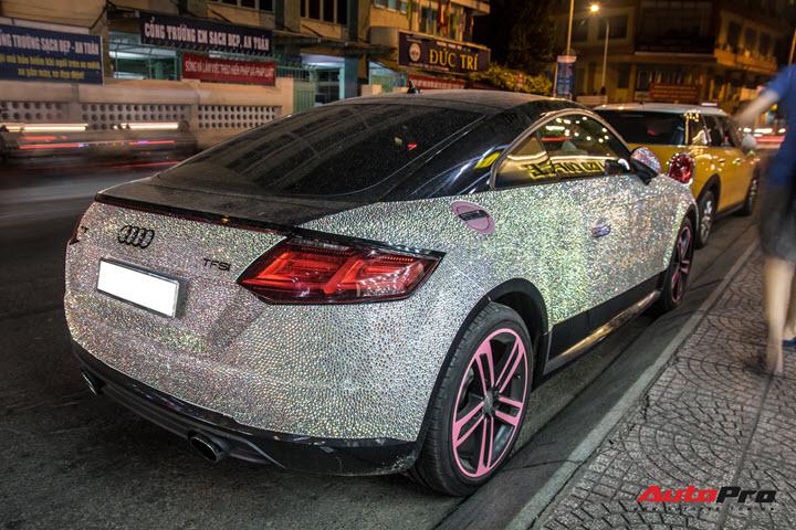 Nữ đại gia Sài Gòn chơi trội, lột xác Audi TT với phiên bản sáng nhất màn đêm - Ảnh 3.