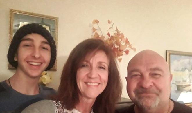 Pai, mãe e filho enfrentam diferentes tipos de câncer ao mesmo tempo