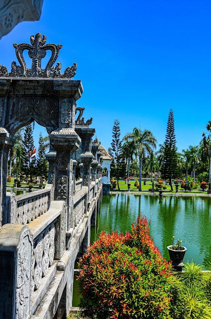 Wodny Pałac Ujung