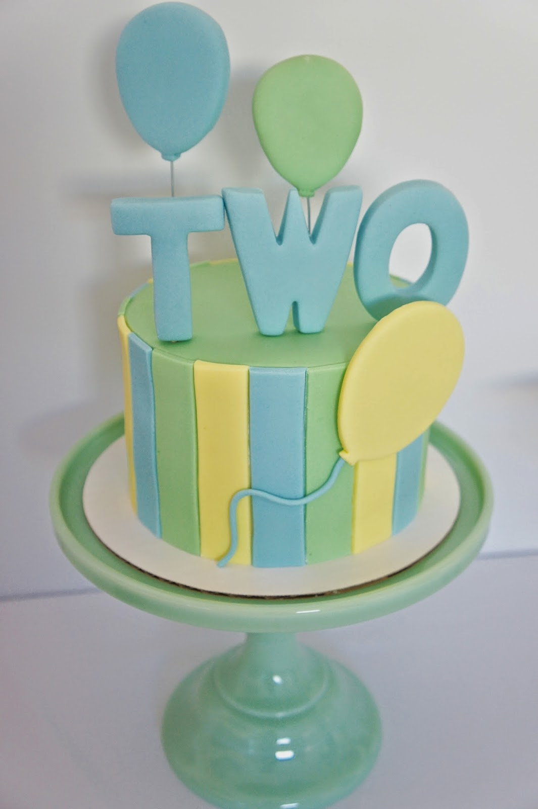 WEDDING CAKES - KIDS CAKES - CUSTOM CAKES  BEST BURBANK BAKERY