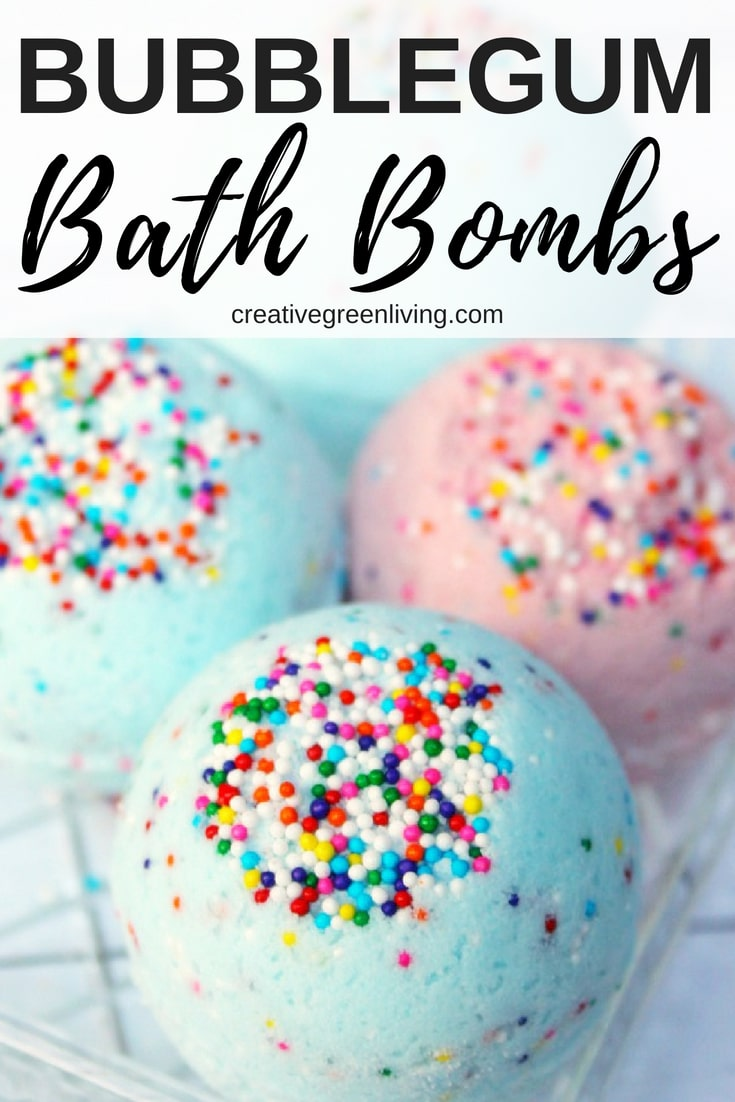How to make DIY bath bombs. This Lush inspired bath bomb recipe is perfect for kids. The homemade recipe uses natural essential oils instead of artificial fragrances to achieve a yummy bubblegum scent. #bathbombs #bathbombrecipes