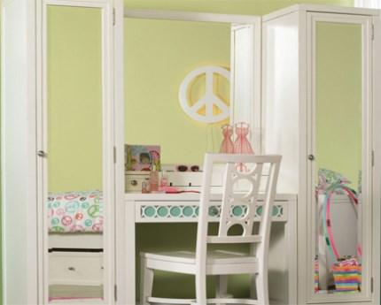 gambar lemari pakaian anak perempuan gabung meja rias