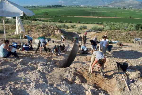 Ανακάλυψη μνημειώδους ασύλητου μυκηναϊκού τάφου στον Ορχομενό
