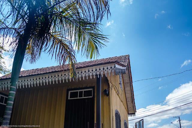 Casa de madeira - detlahe dos lambrequins